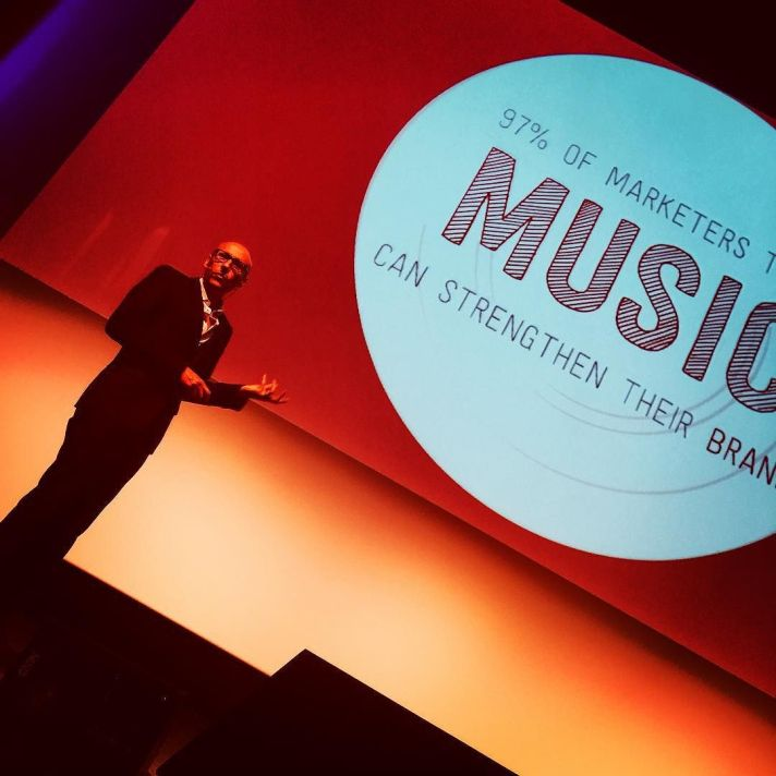 Olivier_Robert-Murphy_about_music_and_marketeers__mediaday__grpbelgium (1)